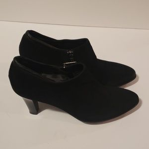AQUATALIA Ruby Suede Ankle Booties size 8.5